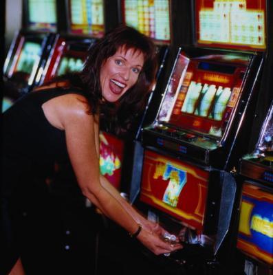 Игровые автоматы увлечение абсолютно вредное получить свою дозу азарта можно играть бесплатно в слоты в онлайн