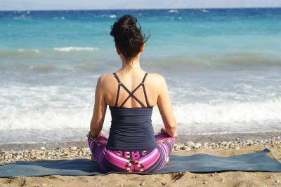 Йога делает людей счастливее