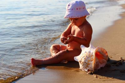 Что нужно знать, когда едешь на море с ребенком